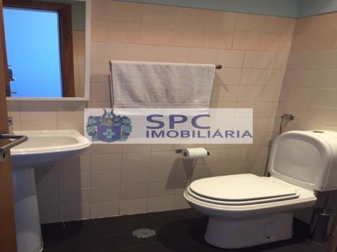 ALMADA OPEN OFFICE - BUREAUX - Location de bureaux - Almada Pragal  CREATIVE HUB