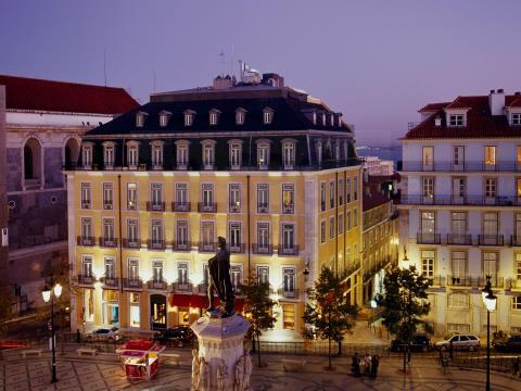 2, 3 bedroom flat, Central, opportunity, 2 garages, Bairro Alto - historical centre Lisbon
