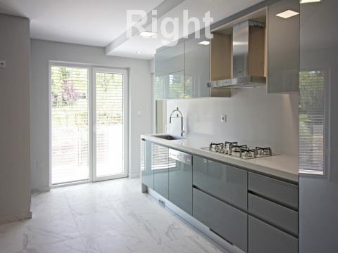 Apartamento T2 em condomínio com jardim, piscina, parque infantil em Oeiras