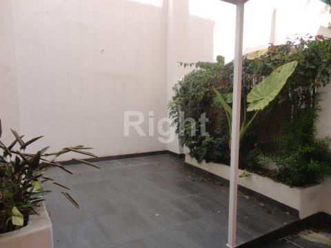 Apartamento T1 com terraço em Benfica