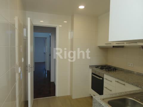 Apartamento T2 nas Avenidas Novas