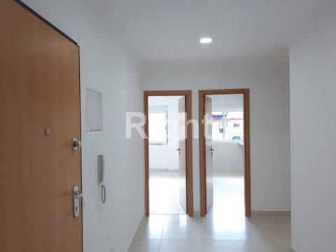 Apartamento T3 totalmente remodelado em Mem Martins