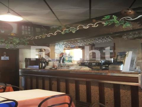 Restaurante/Loja na damaia próximo Aqueduto das Águas Livres