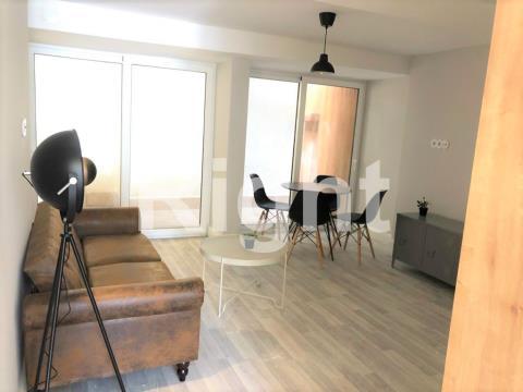 Apartamento T1 remodelado ao C.M.Pátria!