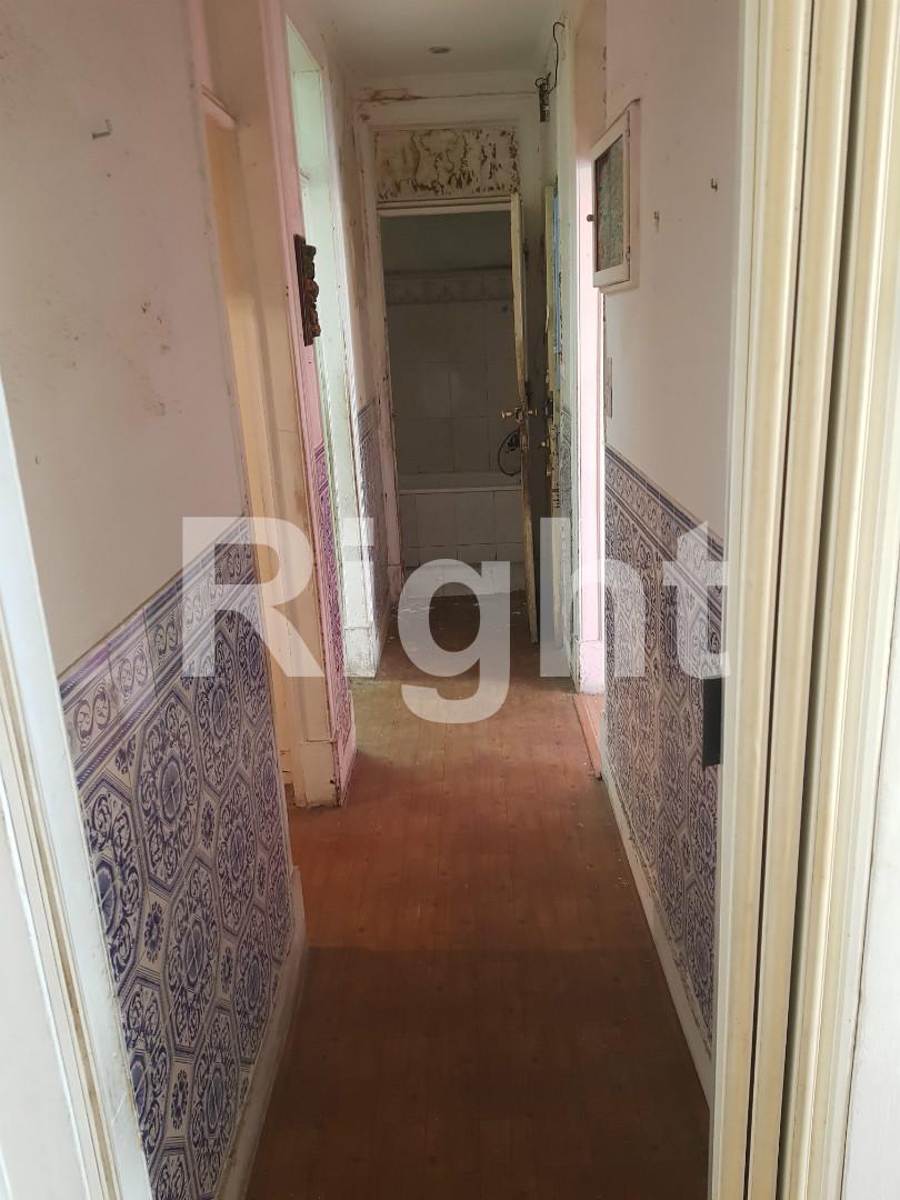 Apartamento T2+1 para remodelar em Arroios