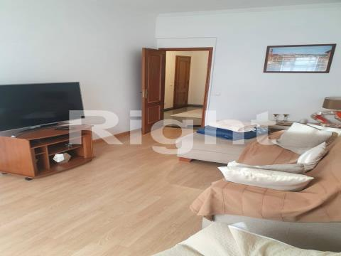 Apartamento T2+1 nasLaranjeiras, Lisboa