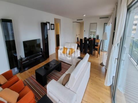 Apartamento T4 em zona exclusiva da cidade de Lisboa