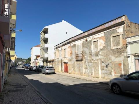 Building for rehabilitation or alteration architecture Alhandra centre