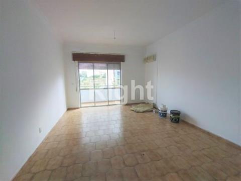 Apartamento T2 no Feijó, Almada