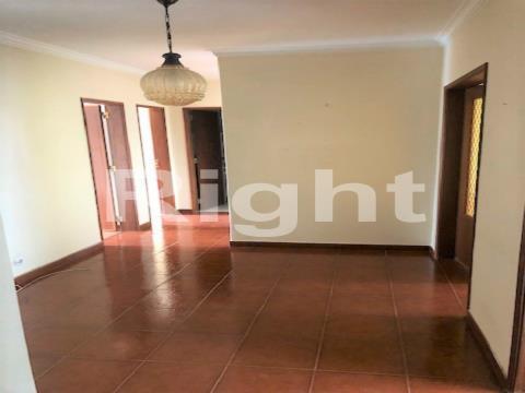 Apartamento T3 boas áreas Castelhana/Pai do Vento Cascais