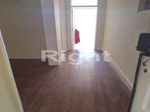 Apartamento T3 em Arroios