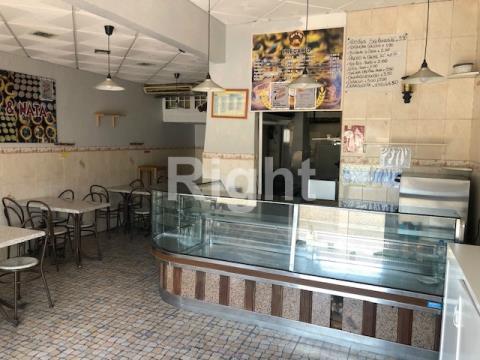 Restaurante na Damaia, próximo Aqueduto das Águas Livres