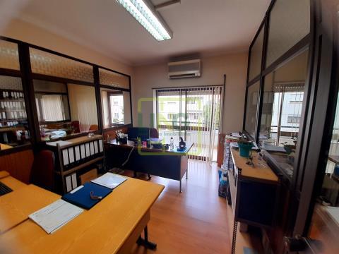 Oficina 9 habitaciones