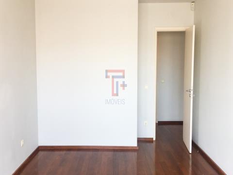 Moradia T5+1