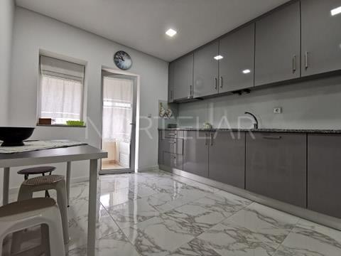 Apartamento T2 com terraço a 500m da praia para venda, Povoa de Varzim