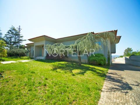 Luxury House V5 in Trofa