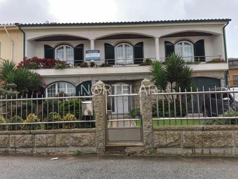Moradia V5 na Vila de Aguçadoura