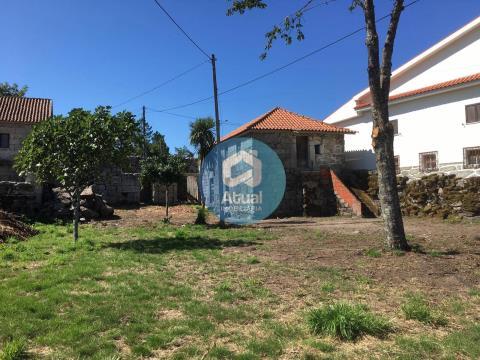 Casa para restaurar, Serzedelo, Póvoa de Lanhoso.