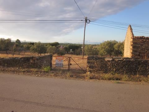 venda de terreno com ruina para recuperar