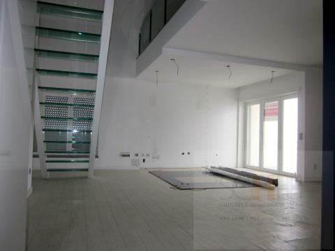 T3 duplex 2 parqueamentos Granja Park Venda Castelo Branco