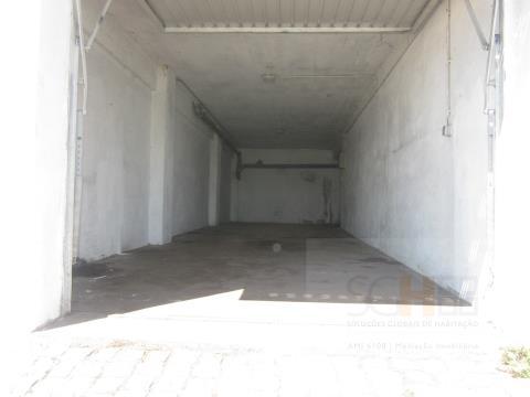 venda garage com 19m2 Castelo Branco