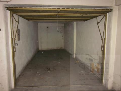 Arrenda garagem centro Castelo Branco