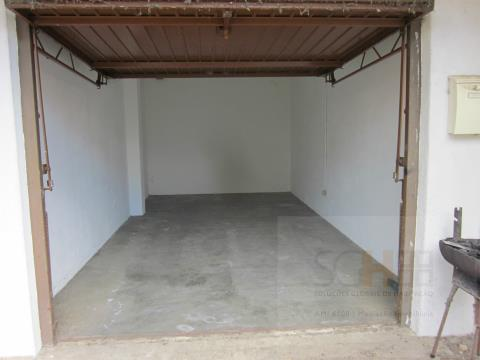 Venda garage com 18m2 Castelo Branco