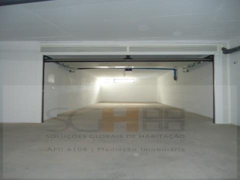 Garagem para 2 carros no centro