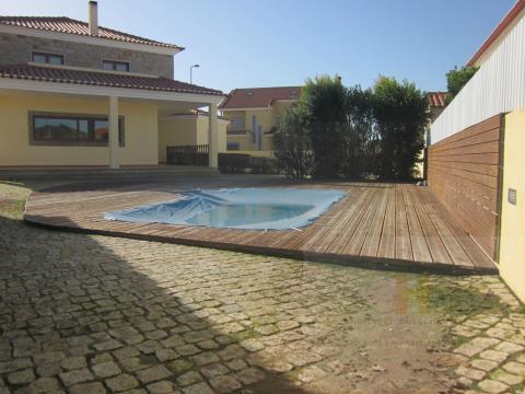 isolada piscina