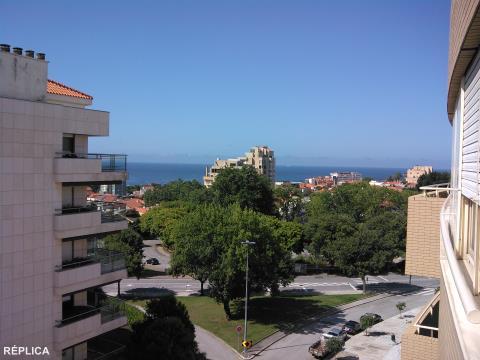 Apartamento T3 - Foz do Douro, com vistas de mar e de rio.