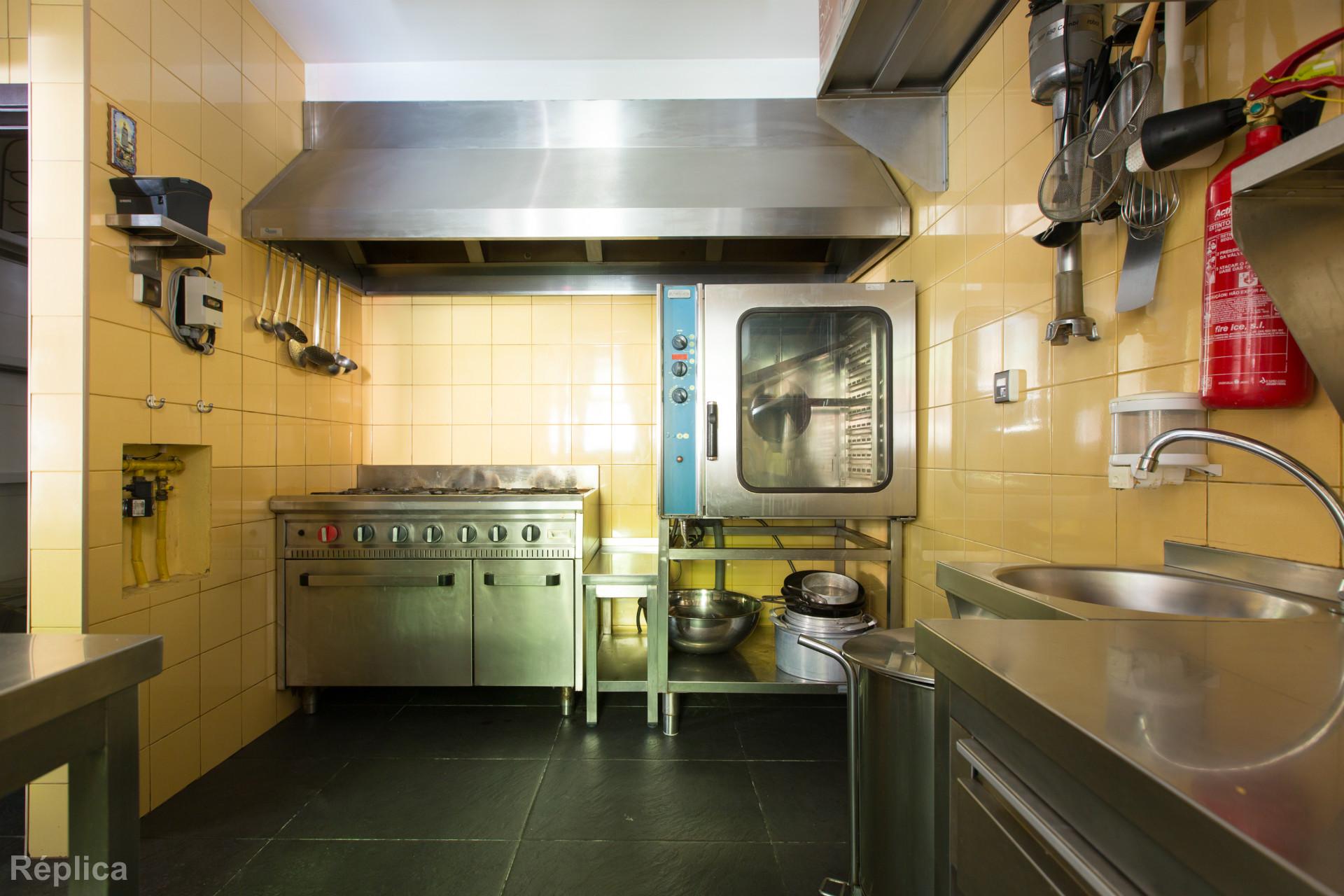 Loja, negócio e equipamento de restaurante, Matosinhos Sul