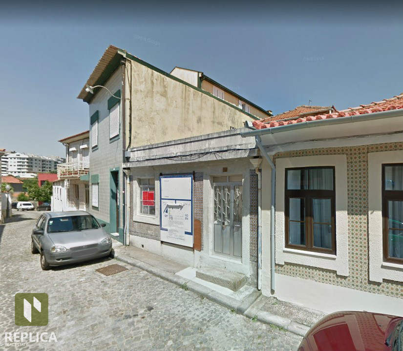 Moradia para Restauro / Foz do Douro
