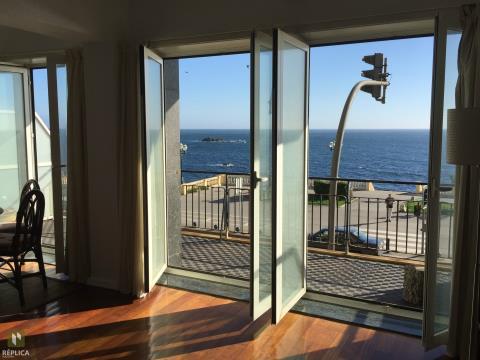 Apartamento T3+1, 1ª linha de mar / Foz do Douro