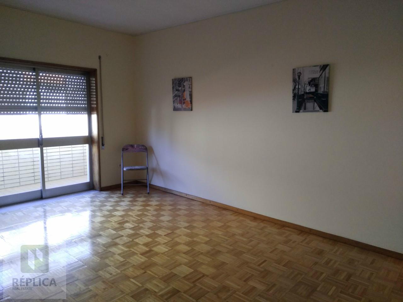 Apartamento T2 Remodelado junto ao Parque Nascente