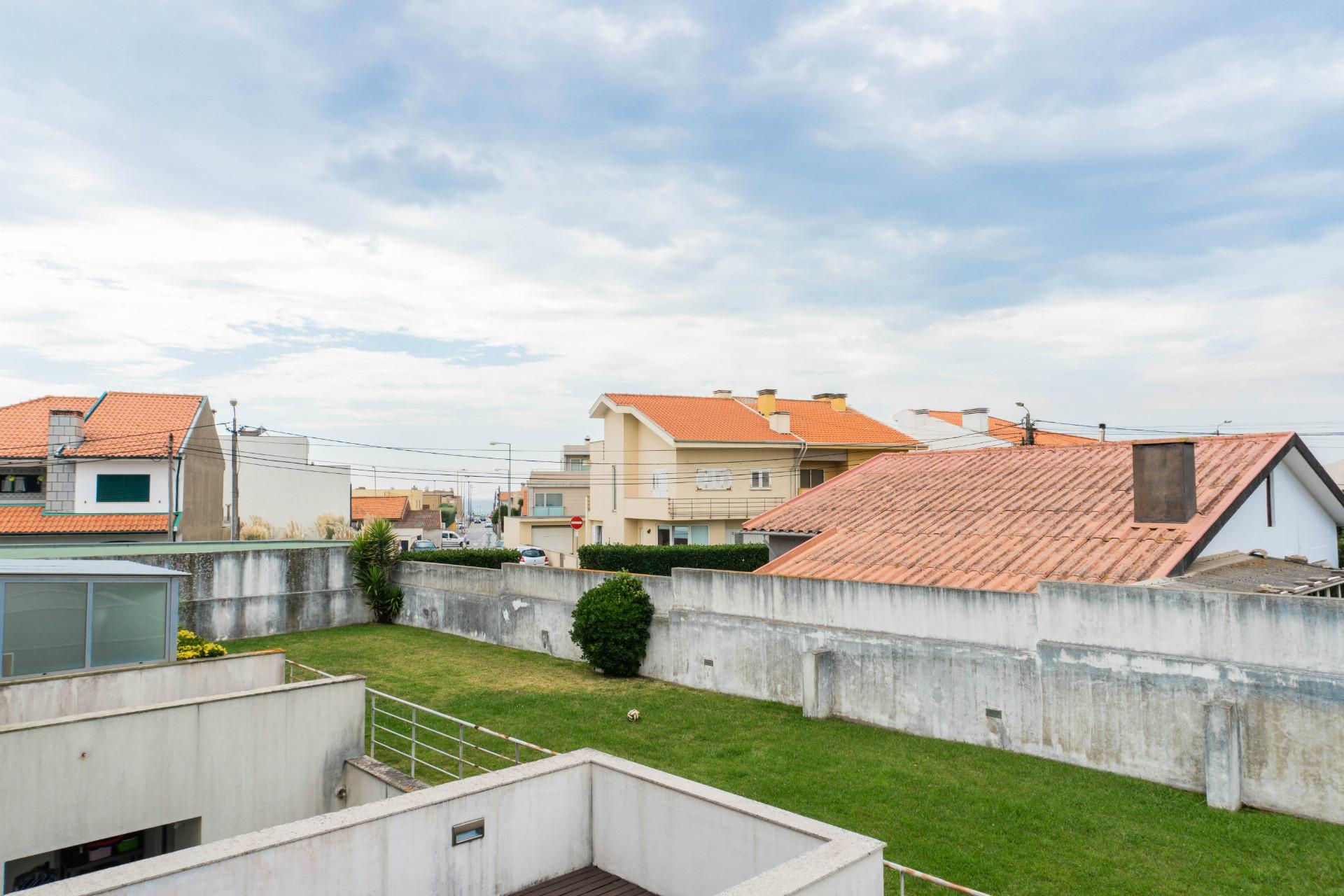 Apartamento T3 Remodelado - Lavra