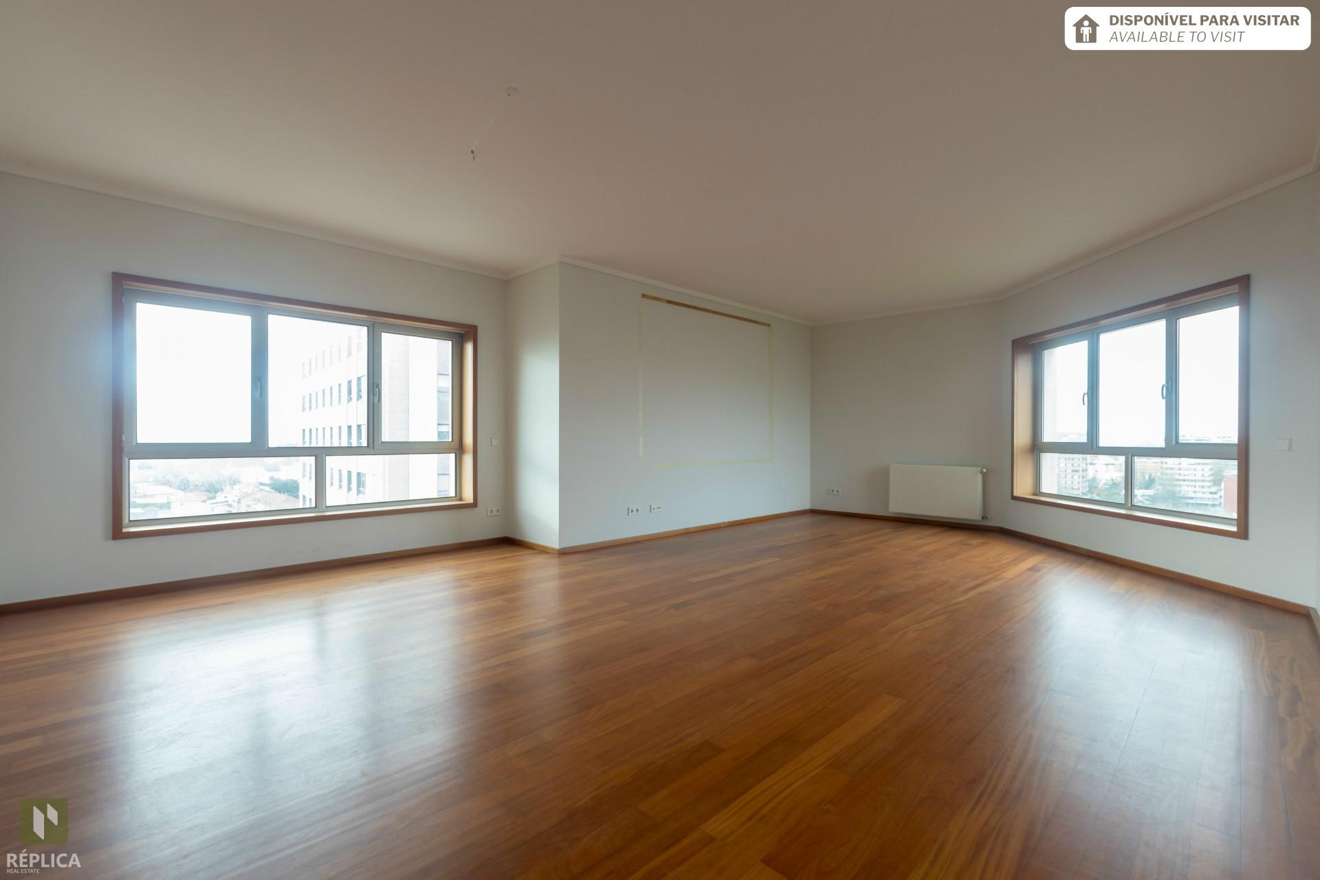 Apartamento T3+1 no Foco, Boavista