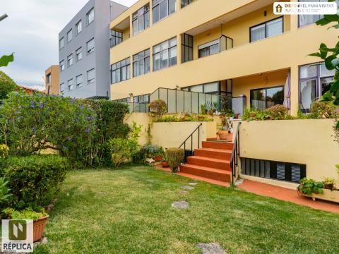Exclusivo - Apartamento com terraço e jardim, Pinheiro Manso