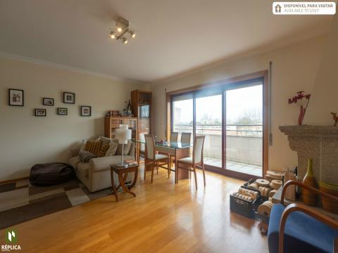 Apartamento T2, cobertura com terraço, em Paranhos