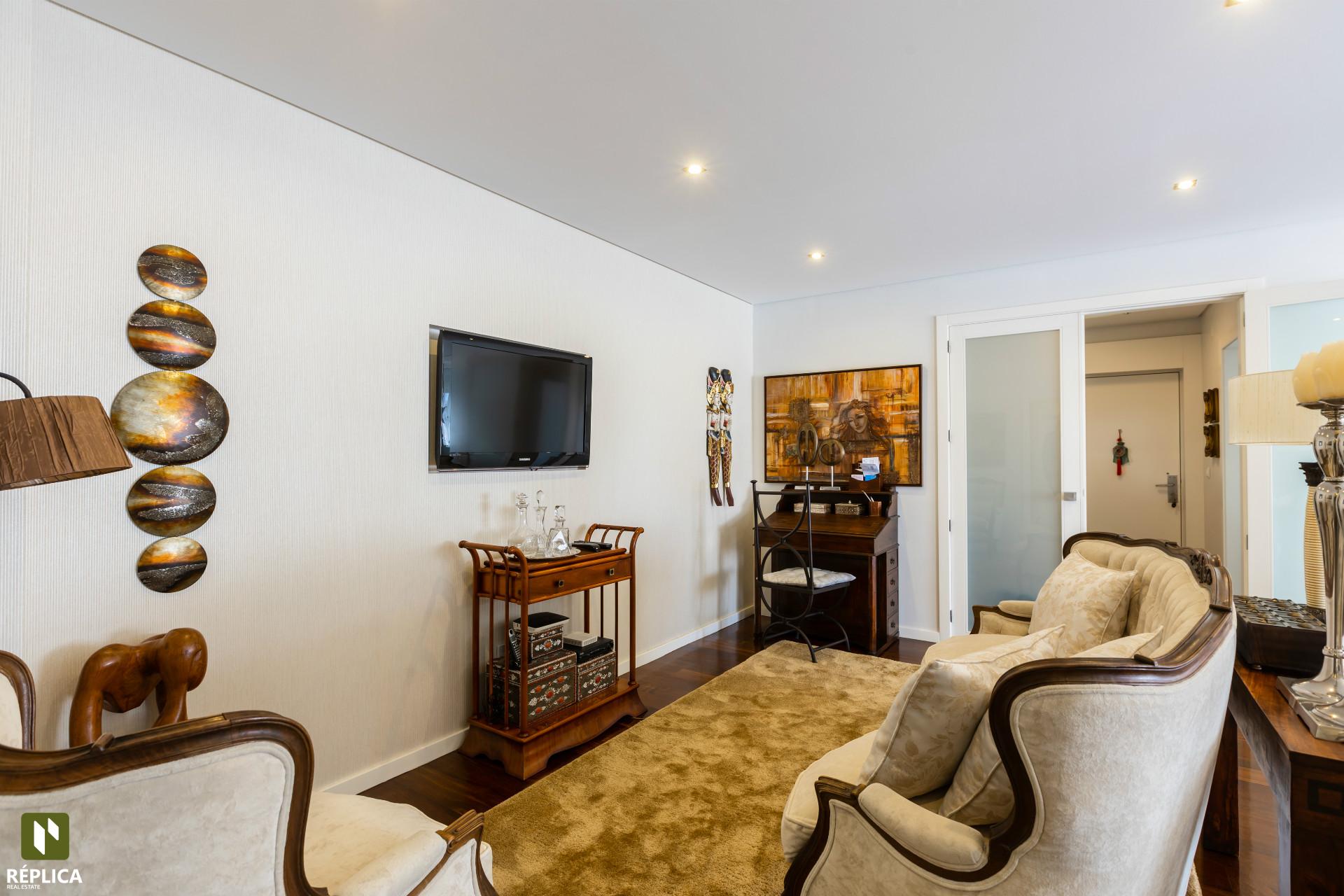 Apartamento T3 Remodelado em Coimbrões, Vila Nova de Gaia