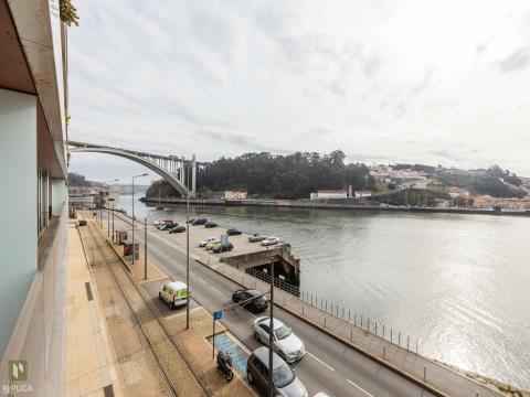 Apartamento T2 com vistas deslumbrantes sobre o Rio Douro