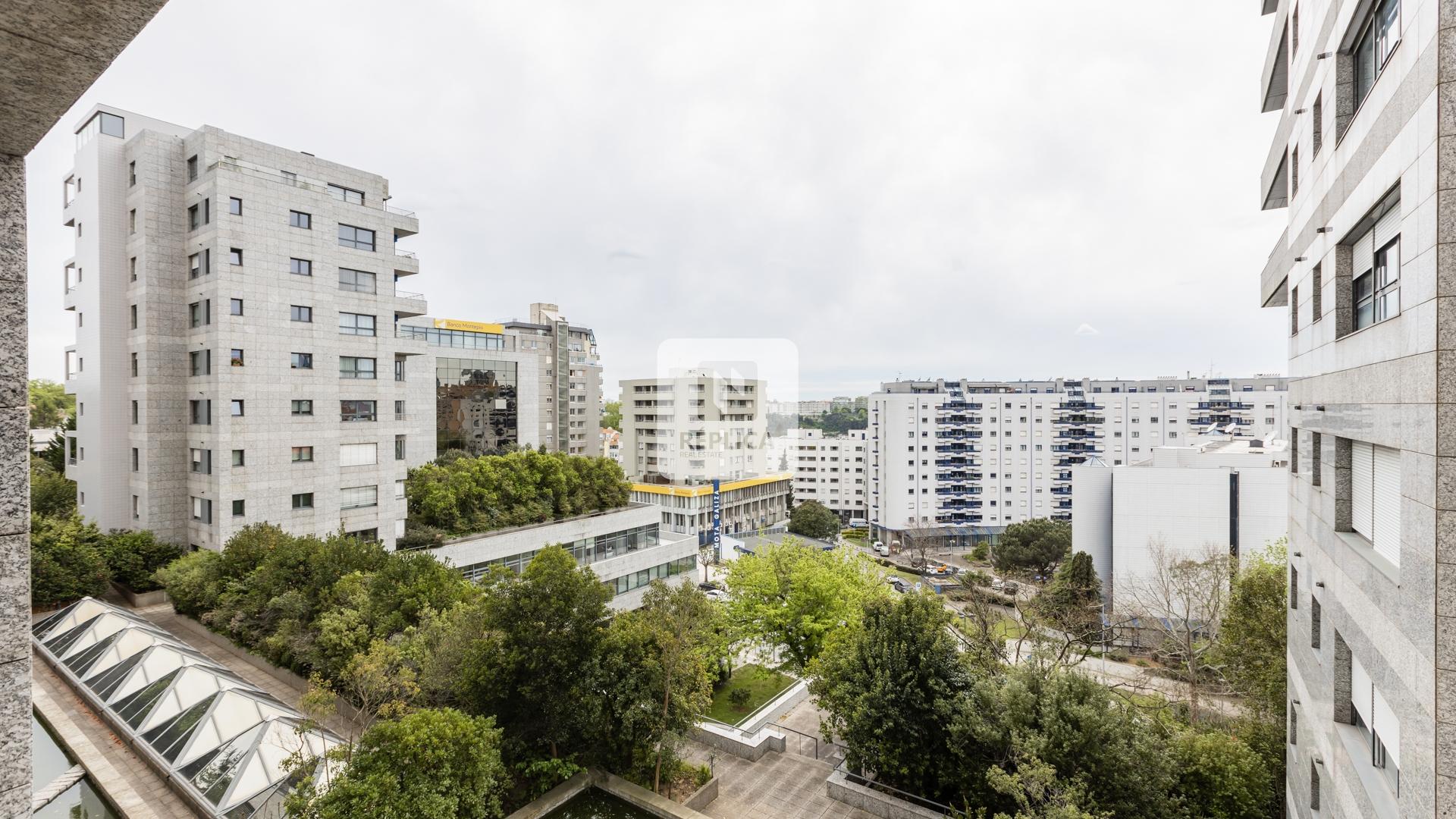 Apartamento T3 para arrendamento, Praça da Galiza, Porto