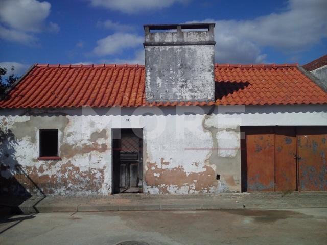 img_Moradia Térrea T7 para recuperar - Coruche/Couço