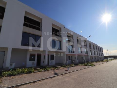 Moradia T3 - Nova - Senhora da Saúde, Évora, Évora