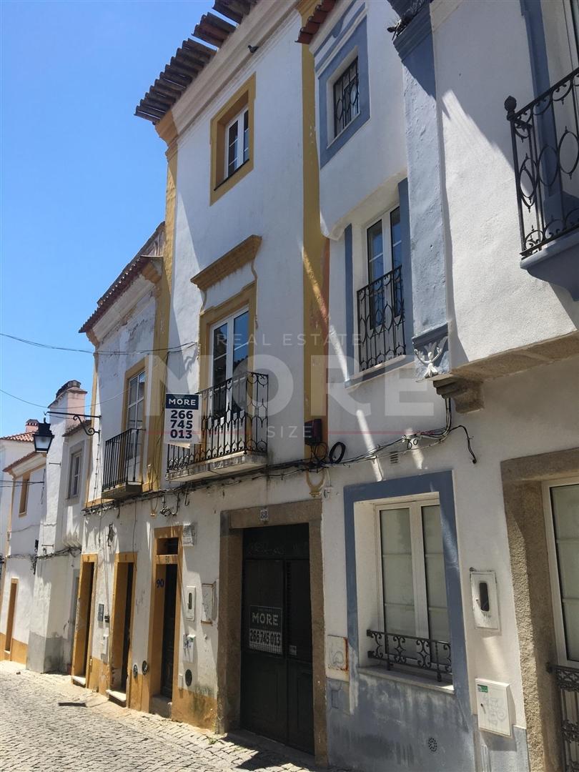 Moradia T2+1 - Centro Histórico de Évora, Évora, Évora