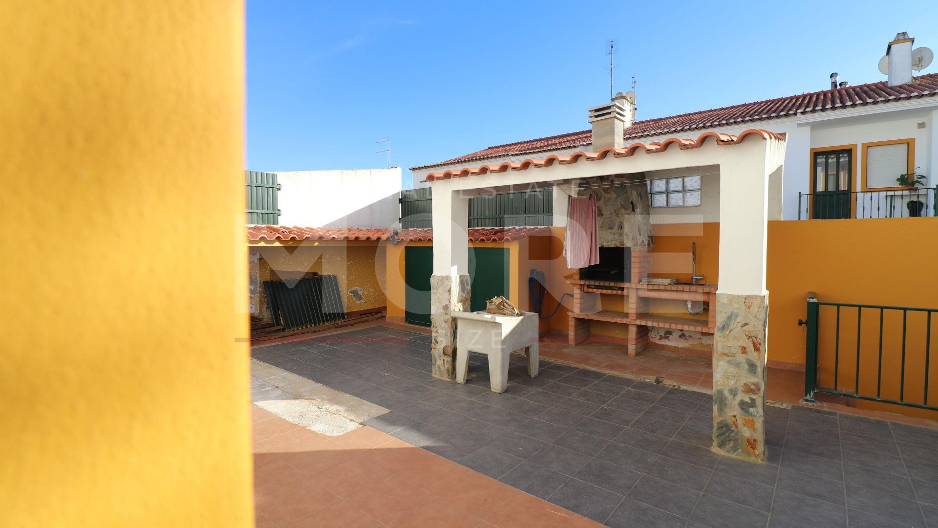 img_Moradia T3 com quintal - Borba