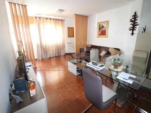 Apartamento T2 - Urbanização  do Moinho