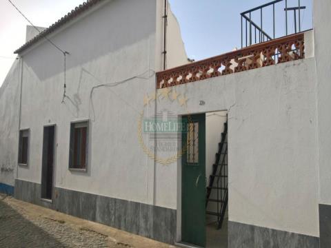 Moradia Térrea T2 com terraço