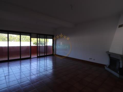Apartamento T3 com piscina - Évora
