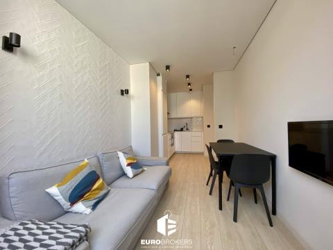 Apartamento T3 remodelado no centro do Porto, próximo ao metro