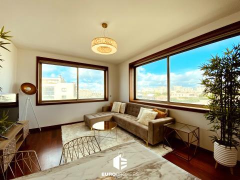 Apartamento T1 na primeira linha do mar em Leça da Palmeira totalmente mobilado